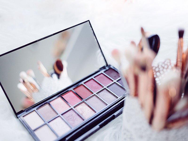 Coiffure et maquillage inclus dans votre séance