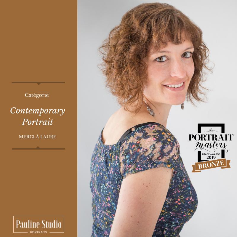 Accréditation - Portrait de Laure ayant obtenu un mérite de bronze aux Portrait Masters 2019